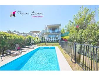 https://www.gallito.com.uy/excelente-propiedad-de-3-dormitorios-a-pocos-metros-del-mar-inmuebles-18755404