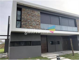 https://www.gallito.com.uy/con-renta-ph-casa-olivos-barrio-con-seguridad-inmuebles-18696042