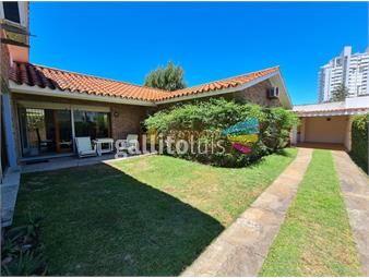 https://www.gallito.com.uy/casa-en-venta-y-alquiler-en-mansa-muy-bien-ubicada-4-dorm-inmuebles-18803544