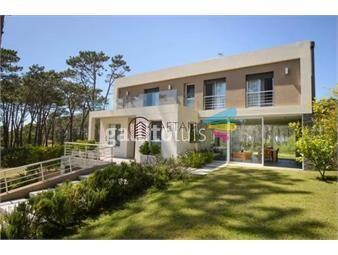 https://www.gallito.com.uy/excelente-casa-de-dos-plantas-en-barrio-privado-inmuebles-18862710