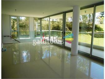https://www.gallito.com.uy/apartamento-en-brava-3-dormitorios-garage-terraza-inmuebles-19063290