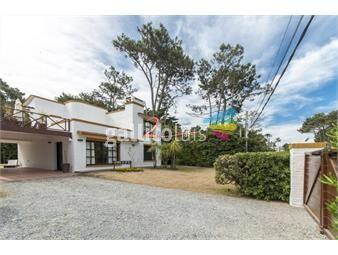 https://www.gallito.com.uy/casa-en-punta-del-este-pinares-4-dormitorios-inmuebles-18370729