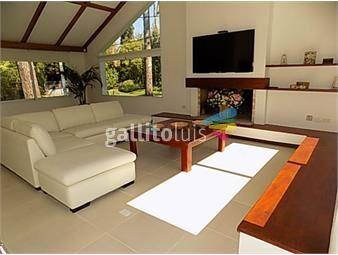 https://www.gallito.com.uy/excelente-casa-zona-mansa-a-metros-del-mar-inmuebles-18392053