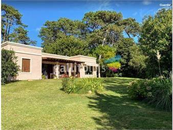 https://www.gallito.com.uy/casa-jardines-de-cordoba-inmuebles-18349054