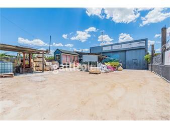 https://www.gallito.com.uy/venta-de-local-industrial-750-m2-de-padron-en-camino-carrasc-inmuebles-19097092