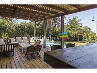 https://www.gallito.com.uy/casa-en-el-faro-de-4-dormitorios-y-piscina-inmuebles-19050448