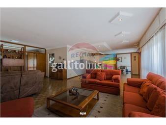 https://www.gallito.com.uy/casa-a-la-venta-en-malvin-de-tres-dormitorios-inmuebles-16986445