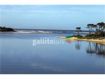 https://www.gallito.com.uy/vista-al-mar-4-dormitorios-y-piscina-inmuebles-18335436