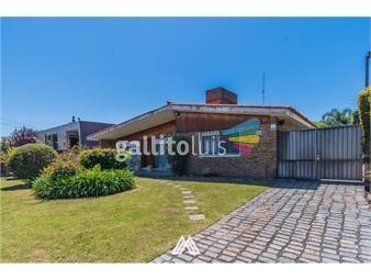 https://www.gallito.com.uy/venta-casa-carrasco-4dorm-3-baños-p-unico-1159m2-inmuebles-18774719