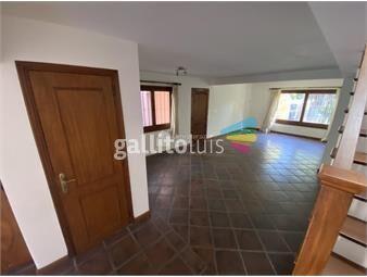 https://www.gallito.com.uy/alquiler-casa-en-carrasco-sur-3-dormitorios-y-servicio-inmuebles-19168016