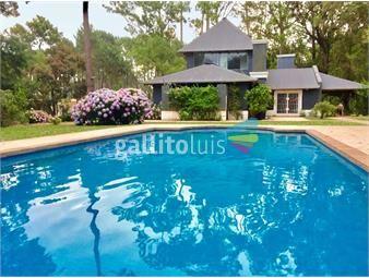 https://www.gallito.com.uy/casa-a-la-venta-4-dormitorios-piscina-inmuebles-19191318