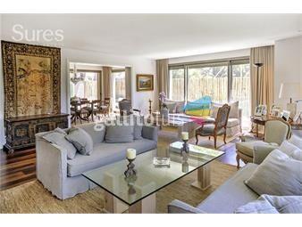 https://www.gallito.com.uy/exclusivo-apartamento-en-venta-de-3-dormitorios-en-carrasco-inmuebles-18509454