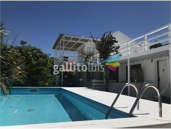 https://www.gallito.com.uy/la-barra-3-suites-y-servicio-gateando-al-mar-pileta-200-inmuebles-19202190