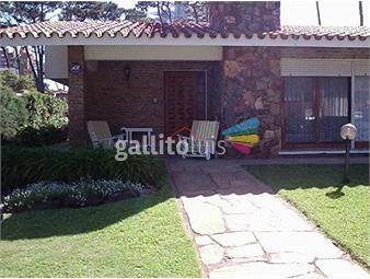 https://www.gallito.com.uy/casa-con-excelente-ubicaciã³n-en-alquiler-anual-temporario-inmuebles-17951140