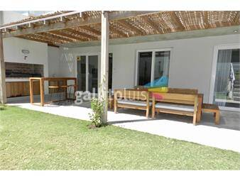 https://www.gallito.com.uy/apto-2-dormitorios-cjardin-pileta-y-mucama-inmuebles-18750809