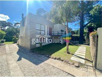 https://www.gallito.com.uy/casa-moderna-de-piedra-zona-pinares-inmuebles-18613454
