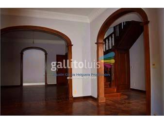 https://www.gallito.com.uy/casa-en-pocitos-3-dormitorios-y-servicio-agustin-garcia-inmuebles-17635757