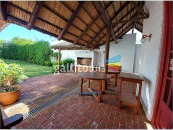 https://www.gallito.com.uy/casa-quincho-3-dormitorios-en-la-barra-inmuebles-18687690