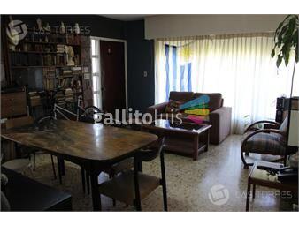 https://www.gallito.com.uy/casa-la-blanqueada-rejas-porche-para-2-autos-fondo-con-inmuebles-19259057