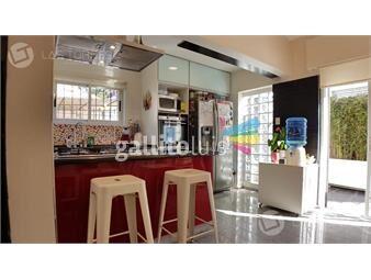 https://www.gallito.com.uy/impecable-con-barbacoa-doble-cochera-y-patio-reciclada-inmuebles-19260614