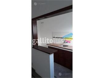 https://www.gallito.com.uy/apartamento-la-comercial-1ro-por-escalera-prox-a-bvar-g-inmuebles-19260911