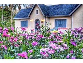 https://www.gallito.com.uy/hermosa-casa-de-campo-estilo-ingles-inmuebles-14922975