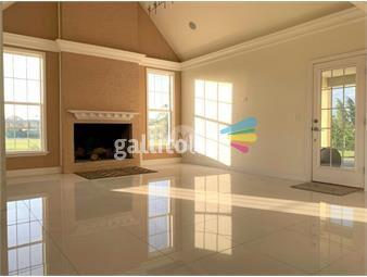 https://www.gallito.com.uy/venta-y-alquiler-casa-en-viñedos-de-la-tahona-inmuebles-19276767