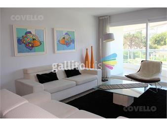 https://www.gallito.com.uy/alquiler-aquarela-playa-mansa-2-dormitorios-en-suite-mas-inmuebles-19279235