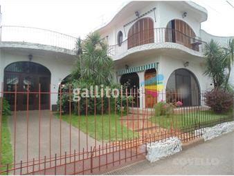 https://www.gallito.com.uy/casa-centrica-frente-a-plaza-principal-5-dormitorios-3-inmuebles-19280970