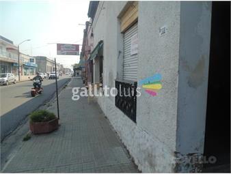 https://www.gallito.com.uy/casa-centrica-amplia-cuatro-habitaciones-local-patio-am-inmuebles-19281416