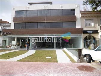 https://www.gallito.com.uy/venta-gran-local-comercial-sobre-arocena-inmuebles-19290467