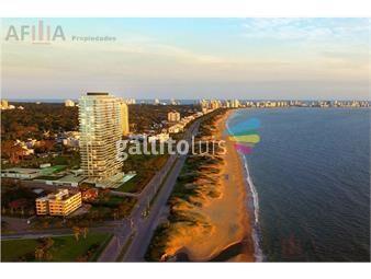 https://www.gallito.com.uy/venta-apartamento-de-lujo-3-dormitorios-mas-servicio-venet-inmuebles-19296518