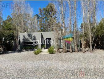 https://www.gallito.com.uy/alquilo-casa-tres-dormitorios-punta-del-este-jardines-de-inmuebles-19296643