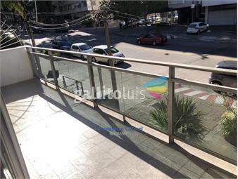 https://www.gallito.com.uy/venta-apartamento-pocitos-3-dormitorios-y-servicio-inmuebles-19195574