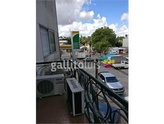 https://www.gallito.com.uy/alquiler-apartamento-2-dormitorios-baño-cocina-def-inmuebles-19317127