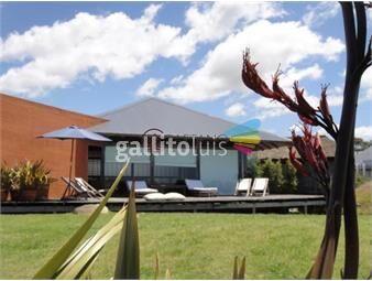 https://www.gallito.com.uy/hermosa-casa-en-primera-linea-en-montoya-inmuebles-19332531
