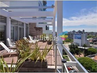 https://www.gallito.com.uy/apartamento-en-zona-de-tres-cruces-ref-7497-inmuebles-19024197