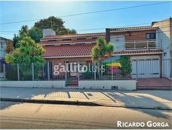 https://www.gallito.com.uy/venta-casas-la-blanqueada-4-dormitorios-jardin-barbacoa-inmuebles-18481449