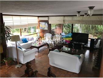 https://www.gallito.com.uy/excelente-chalet-de-5-dormitorios-a-metros-de-la-playa-mans-inmuebles-19364081