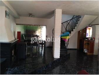 https://www.gallito.com.uy/2-casas-en-mismo-terreno-muy-amplias-con-patio-y-barbacoa-inmuebles-18983465