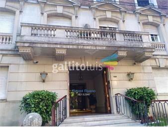 https://www.gallito.com.uy/venta-de-apartamento-2-dormitorios-y-servicio-en-pocitos-inmuebles-19014317
