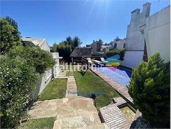 https://www.gallito.com.uy/venta-de-casa-en-carrasco-3-dormitorios-con-buen-fondo-inmuebles-19284653
