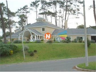 https://www.gallito.com.uy/casa-en-venta-y-alquiler-golf-punta-del-este-4-dormitori-inmuebles-19417004