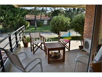 https://www.gallito.com.uy/a-2-cuadras-del-mar-con-2-terrazas-parrillero-propio-impe-inmuebles-19066678