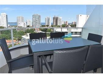 https://www.gallito.com.uy/edificio-botavara-piso-alto-con-vista-a-playa-brava-muy-l-inmuebles-18568336