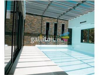 https://www.gallito.com.uy/apartamento-en-muy-buena-ubicacion-en-la-brava-a-pocas-cuad-inmuebles-19475238