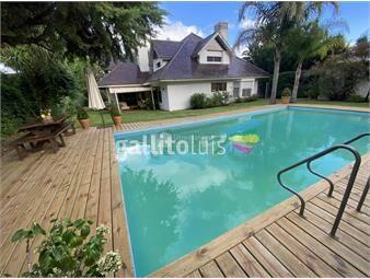 https://www.gallito.com.uy/venta-casa-espectacular-de-solida-en-gran-solar-muy-bien-ub-inmuebles-15486809