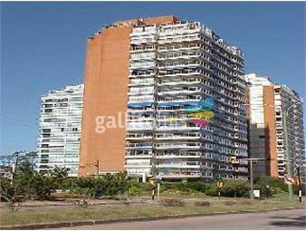 https://www.gallito.com.uy/apartamento-en-mansa-4-dormitorios-inmuebles-19479404
