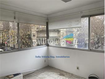 https://www.gallito.com.uy/bajo-de-precio-amplia-oficina-en-el-centro-de-montevideo-inmuebles-18487568