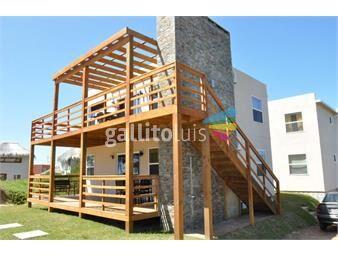 https://www.gallito.com.uy/complejo-de-4-apartamentos-a-4-cuadras-de-playa-del-rivero-inmuebles-19513781